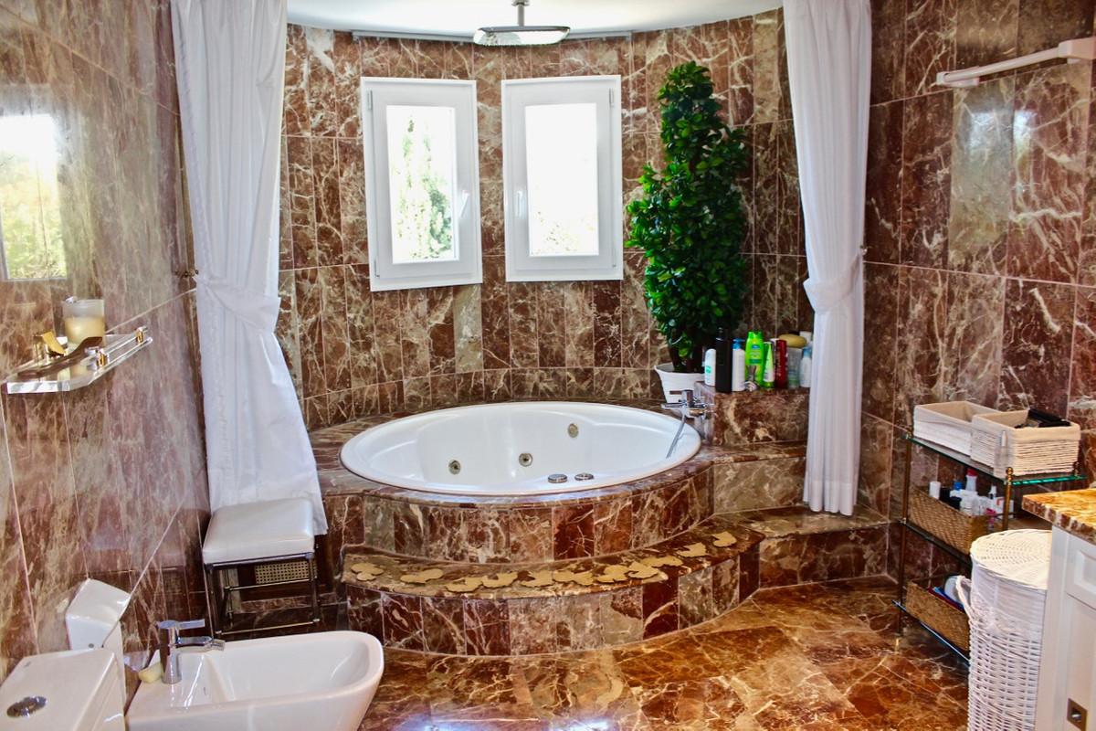 Villa con 4 Dormitorios en Venta Sierra Blanca