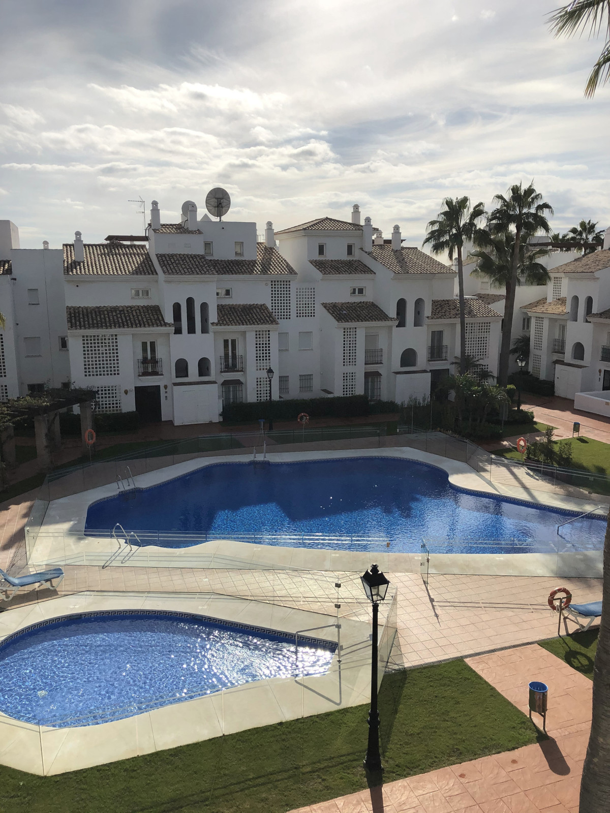 REDUCED IN PRICE WAS €400,000 NOW €370,000!!!  This amazing penthouse is for sale beachside of San P,Spain