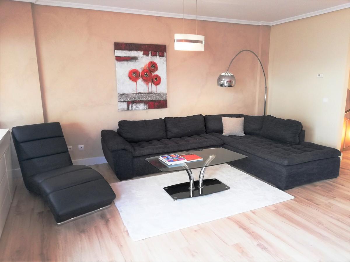 Unifamiliar con 5 Dormitorios en Venta Bel Air
