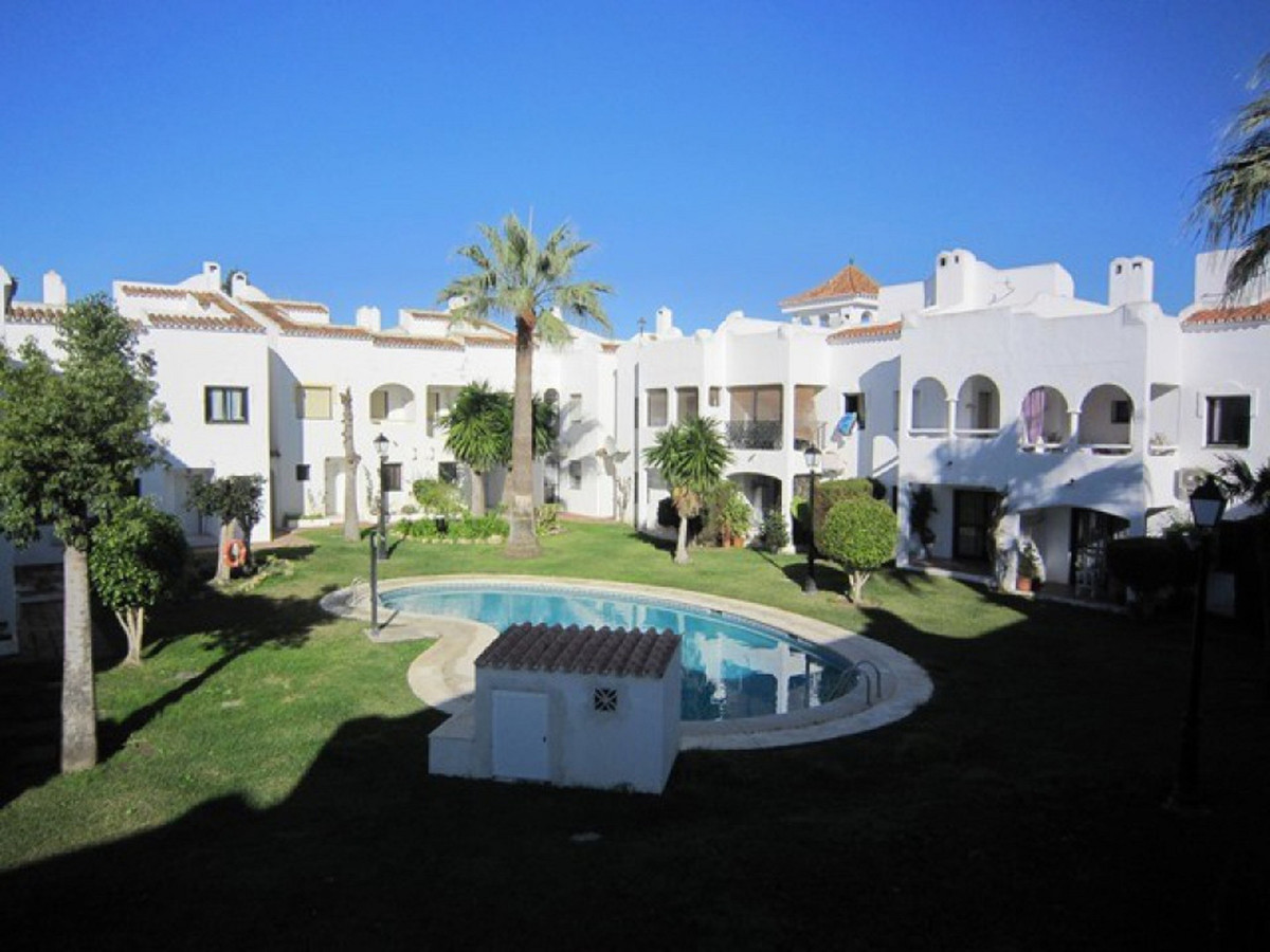 DISTRESS SALE WAS 235,000 now 215,000 A REAL BARGAIN  KEYS IN OFFICE FOR EASY VIEWINGS  This 3 bedro,Spain