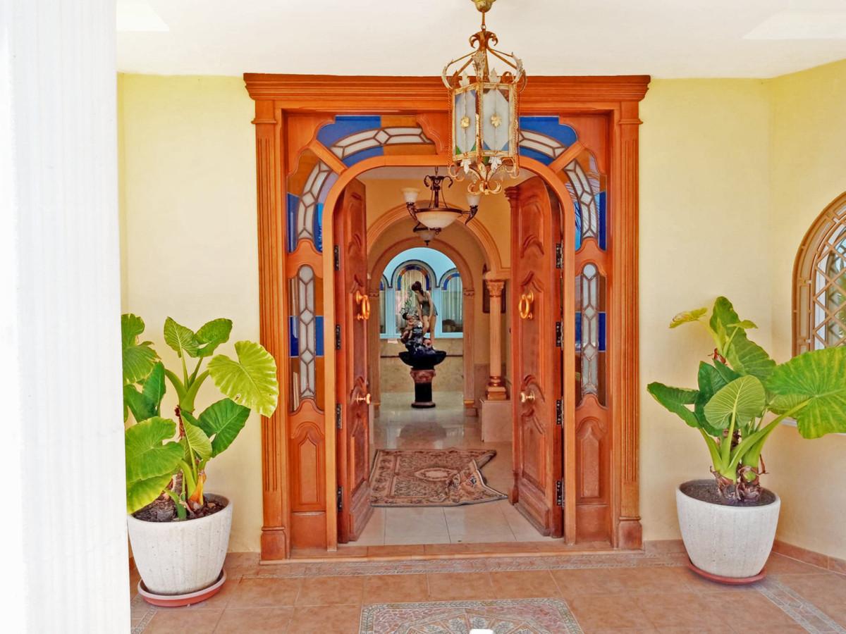 House in Alhaurín el Grande R3646040 2