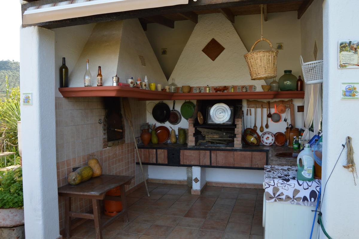 House in Alora R3594781 17