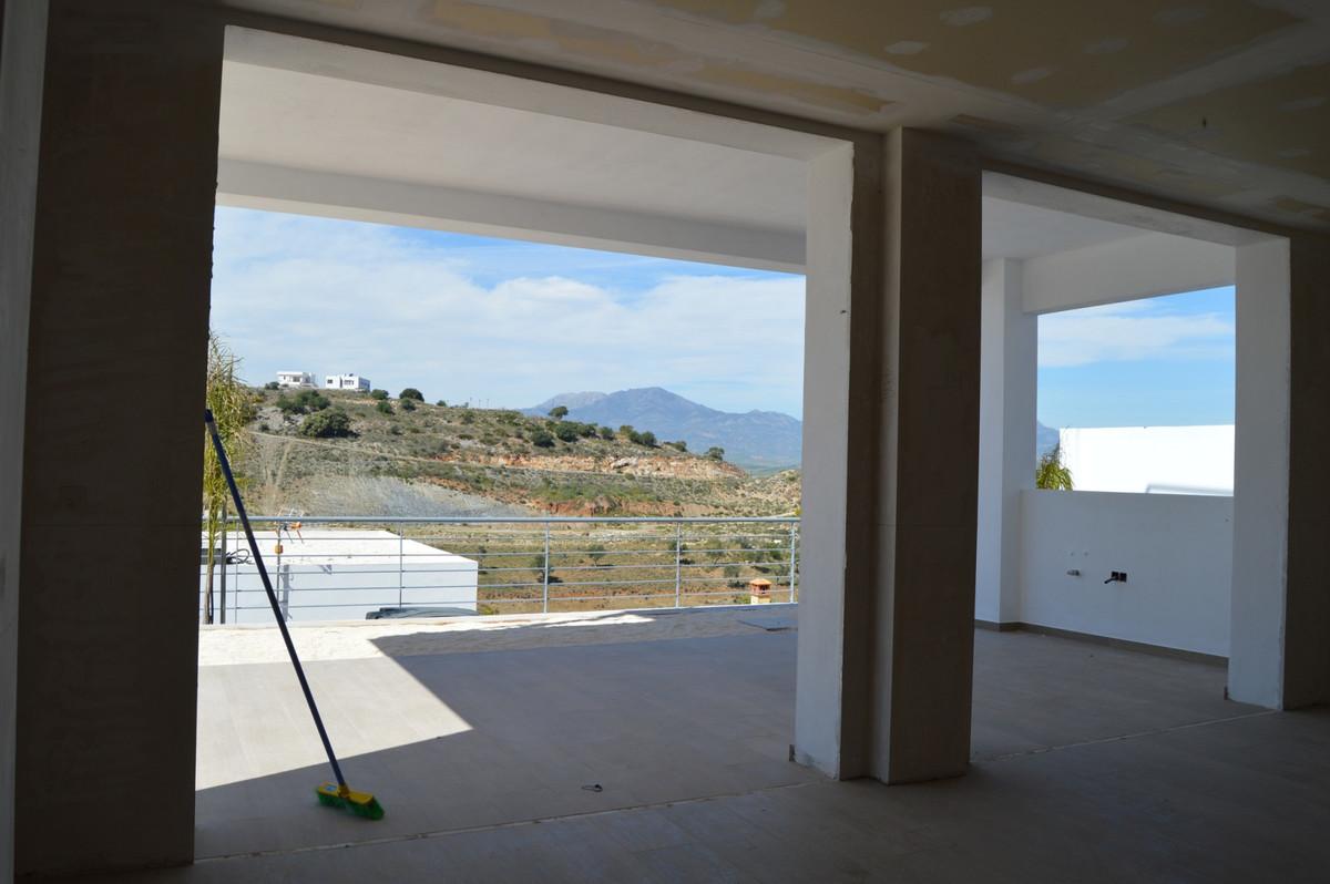 3 Bedroom Villa For Sale, Coín