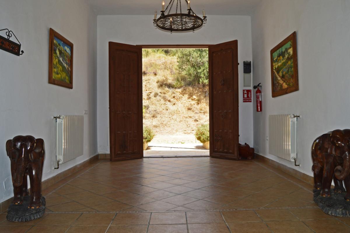 House in Alozaina R3660998 15