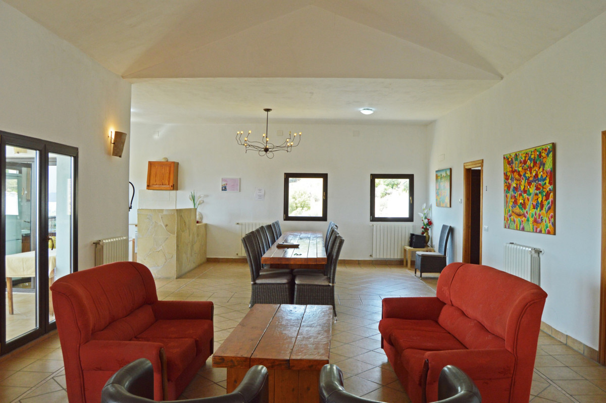 House in Alozaina R3660998 16
