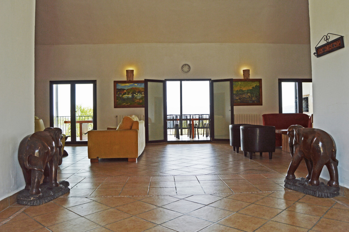 House in Alozaina R3660998 17
