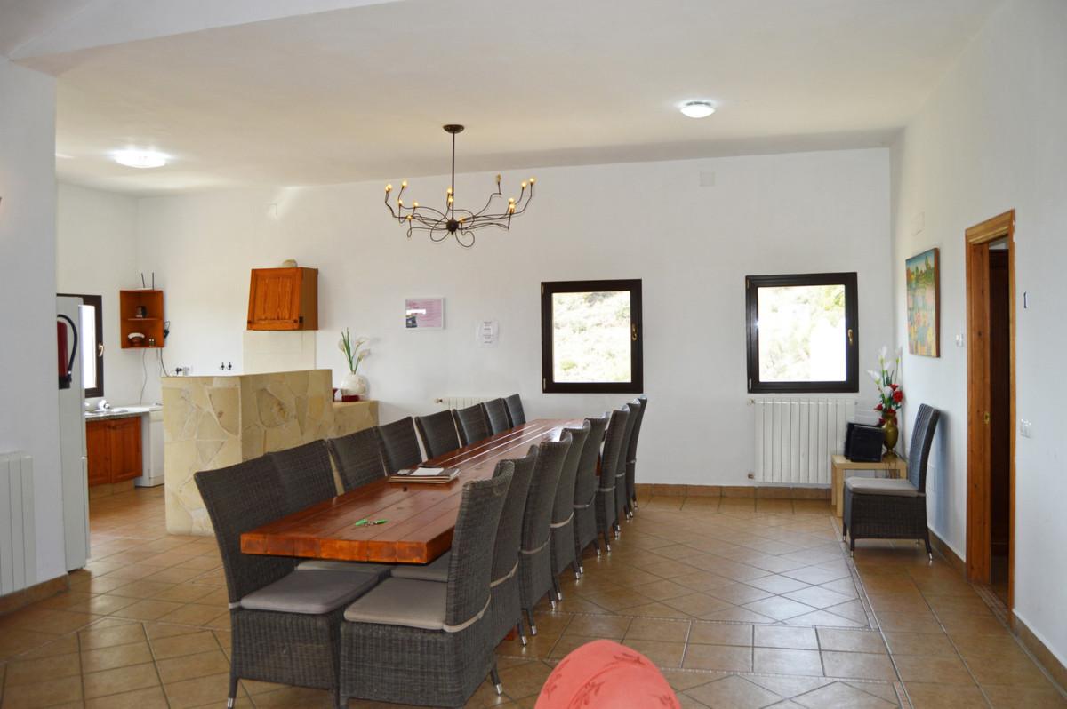 House in Alozaina R3660998 18