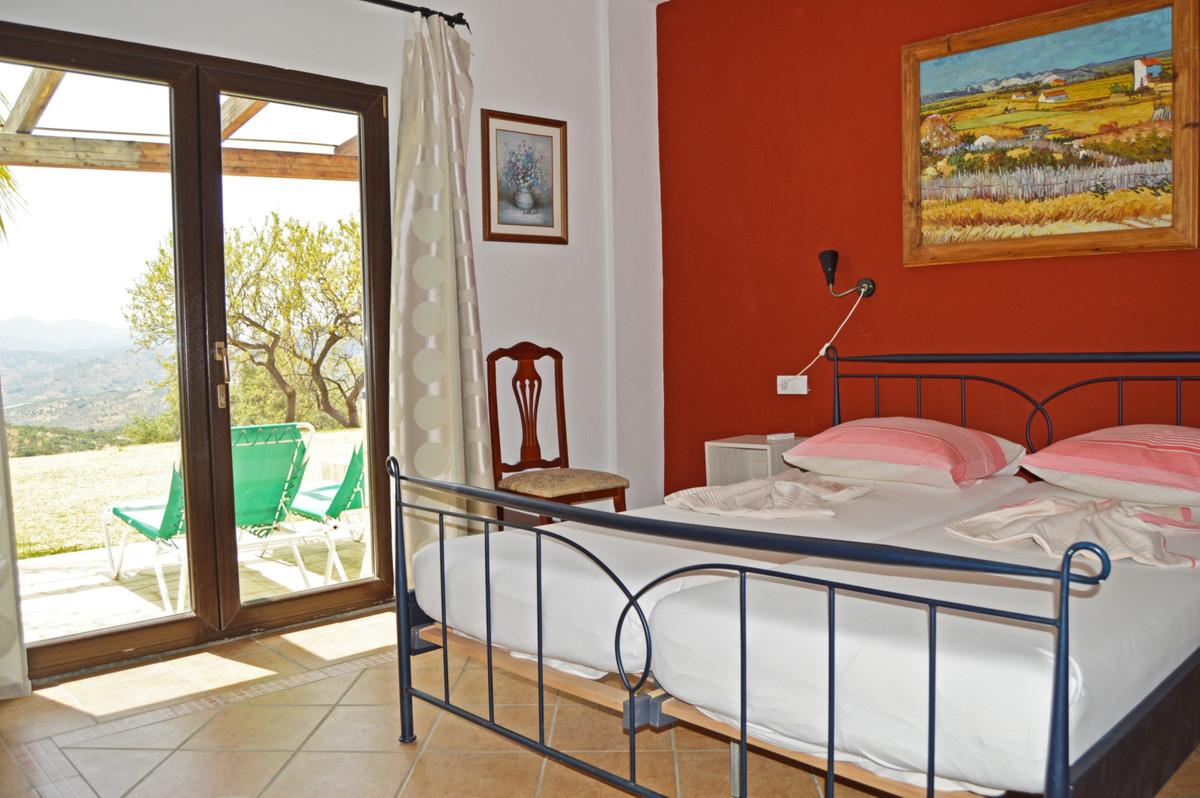 House in Alozaina R3660998 29