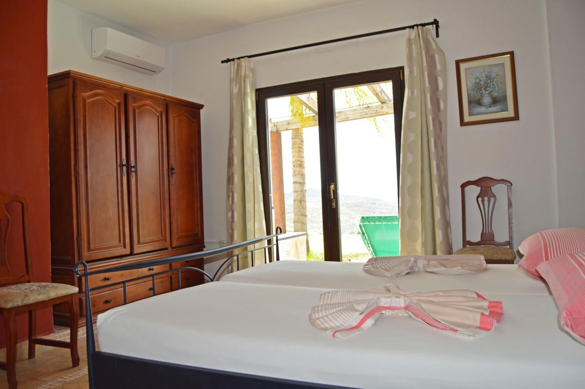 House in Alozaina R3660998 31