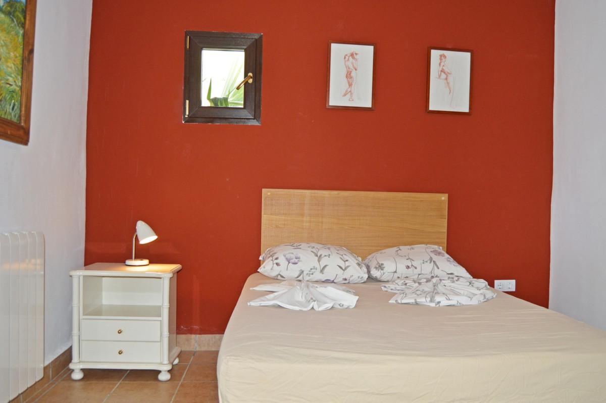 House in Alozaina R3660998 32