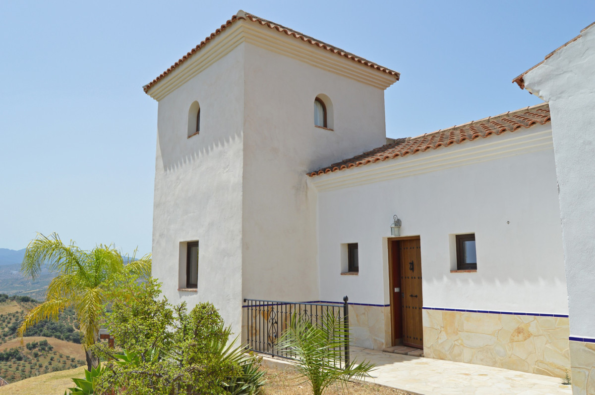 House in Alozaina R3660998 46