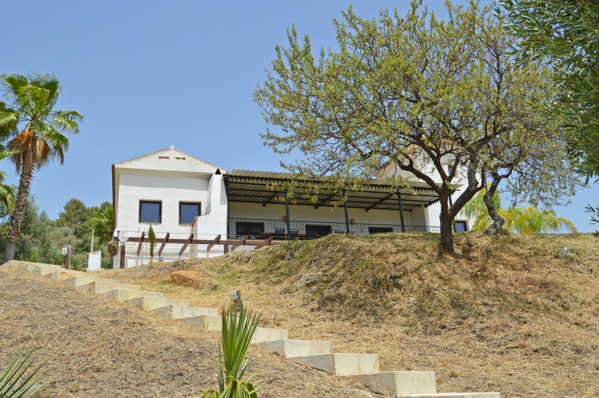 House in Alozaina R3660998 48