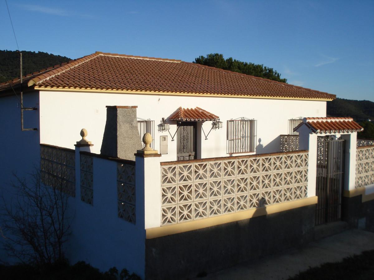 Villa 4 Dormitorios en Venta Carratraca