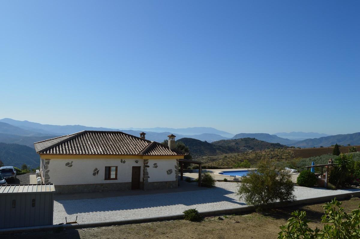 Villa con 3 Dormitorios en Venta Valle de Abdalajis