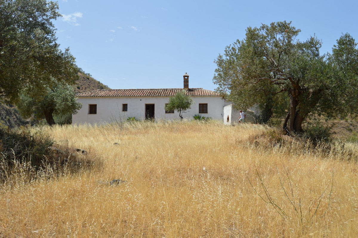 R2730689: Villa for sale in El Chorro