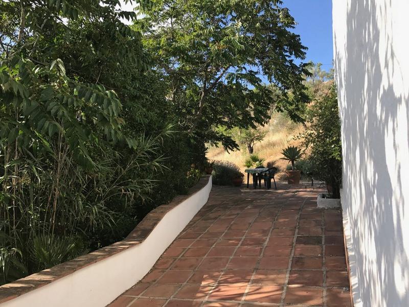 House in Alora R2953643 20