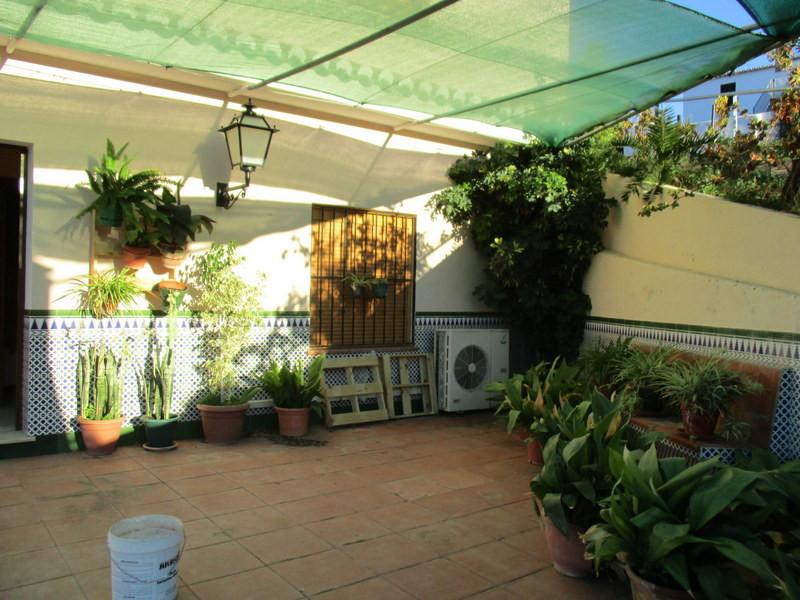 House in Alora R2821652 10