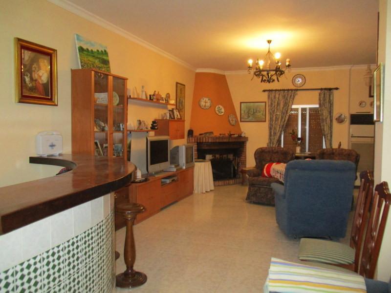 House in Alora R2821652 4