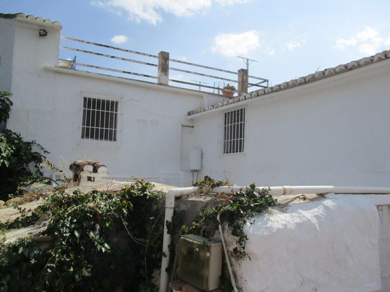 House in Alora R3259816 11