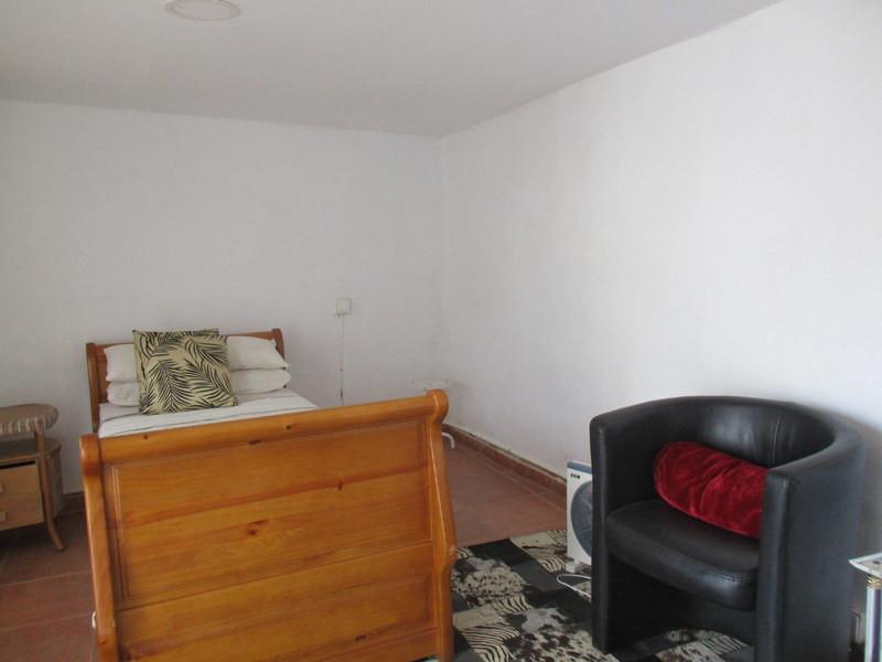 House in Alora R3259816 12