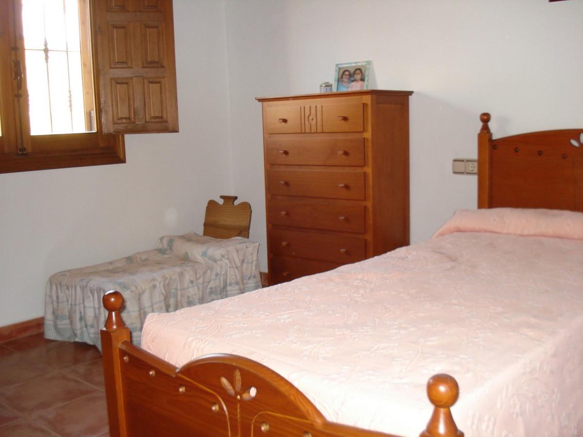 House in Alora R2524640 16