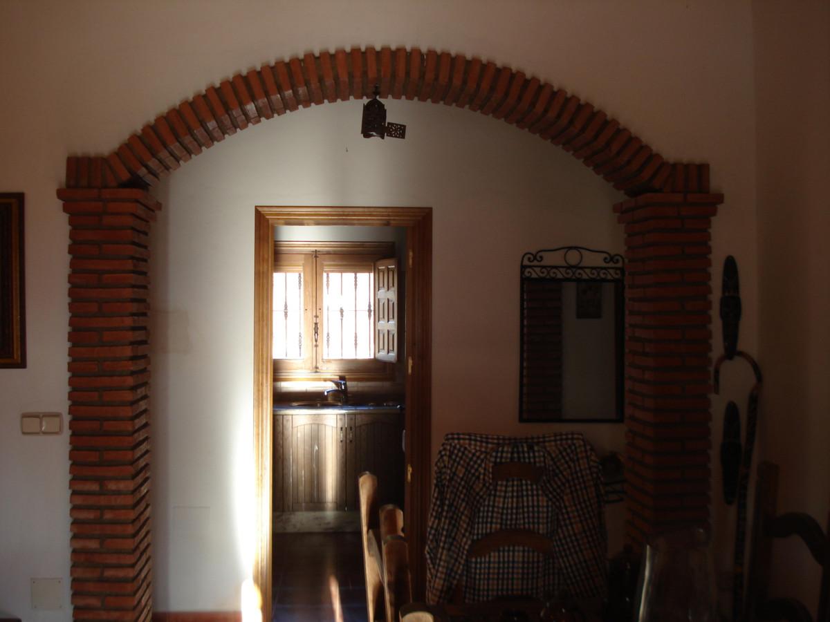 House in Alora R2524640 21