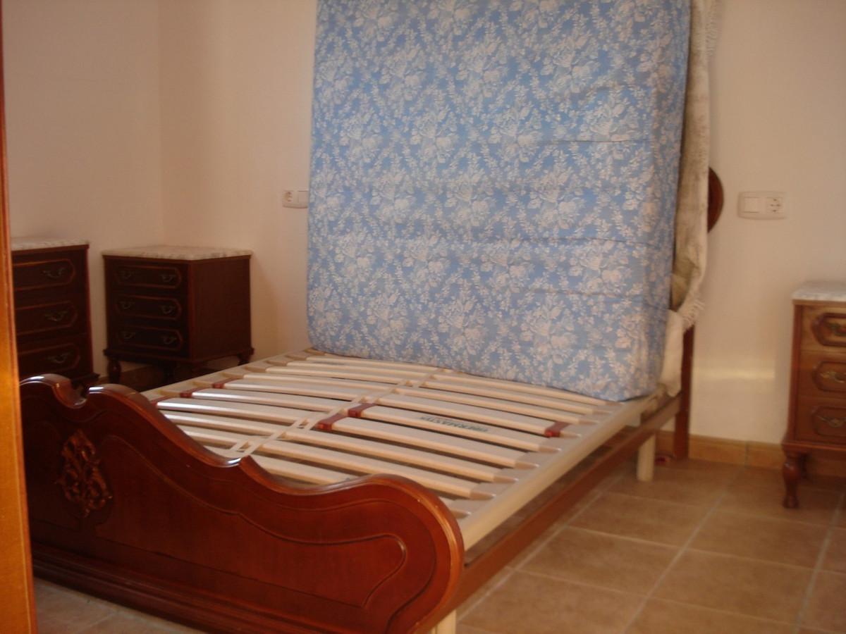 House in Alora R2524640 25