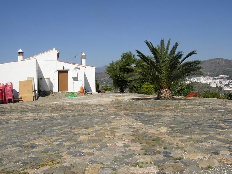 R2526416: Villa - Detached in Alora