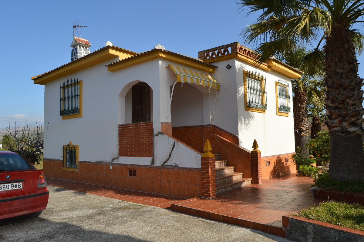 House in Alora R2831273 1