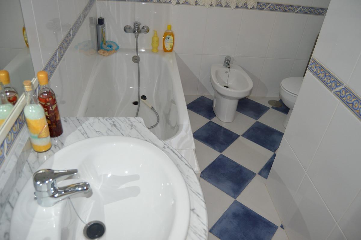 House in Alora R2831273 13