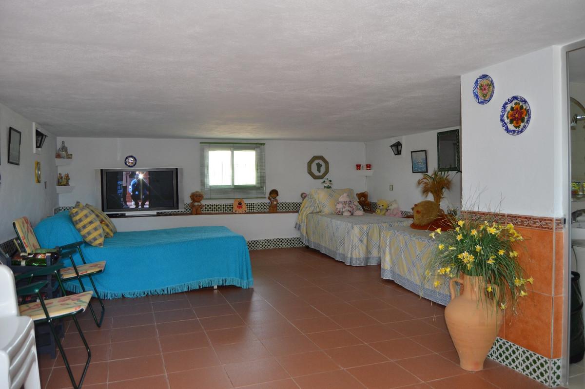 House in Alora R2831273 22