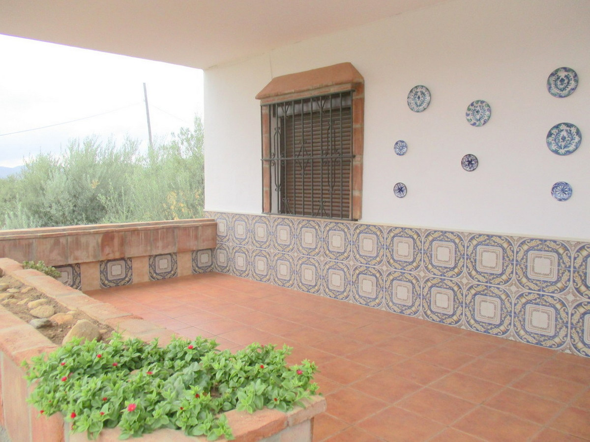 House in Alora R3517882 18