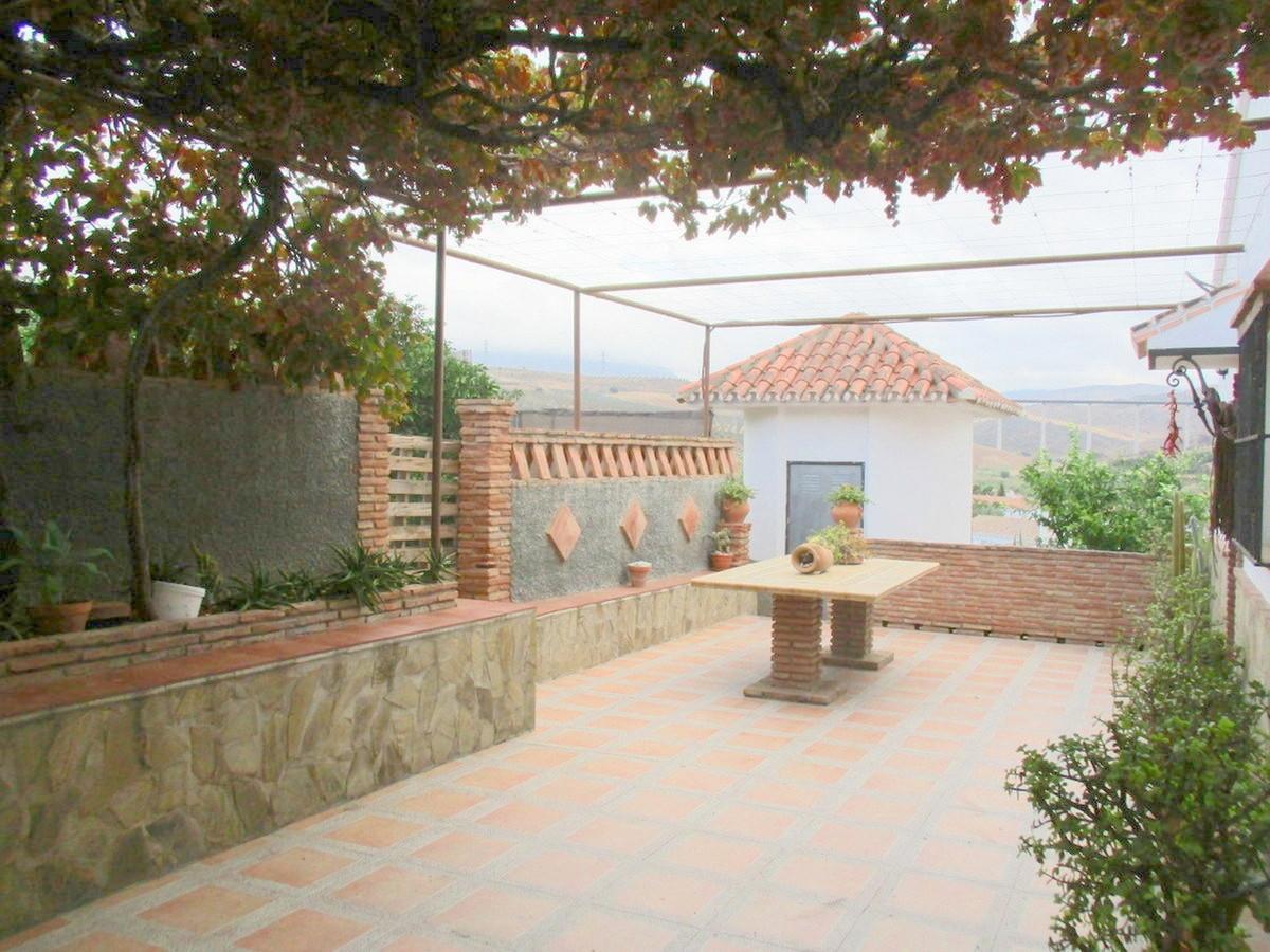 House in Alora R3517882 26