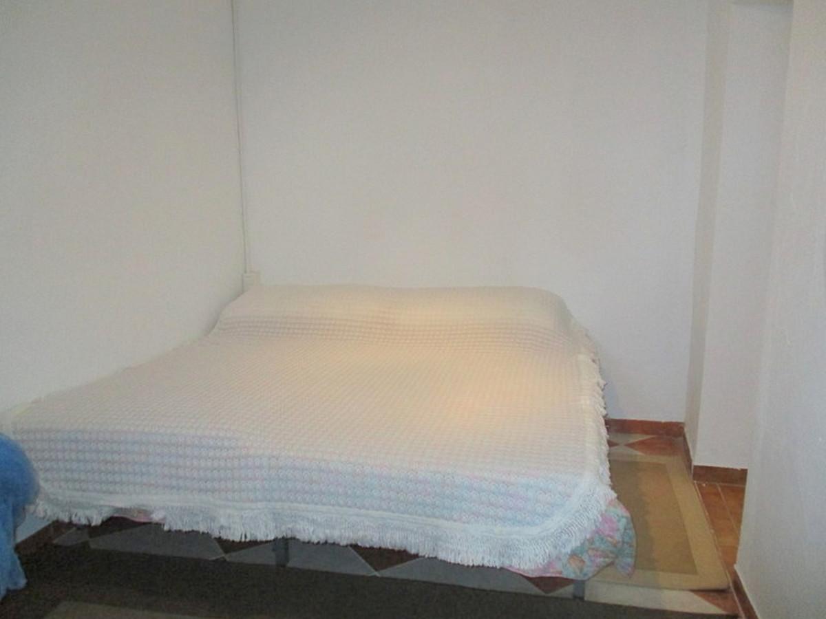 House in Alora R3373870 13
