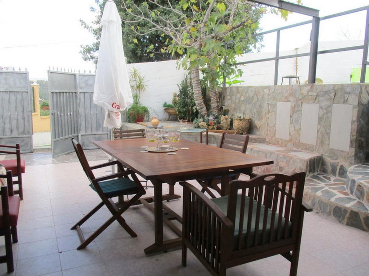 House in Alora R3373870 16
