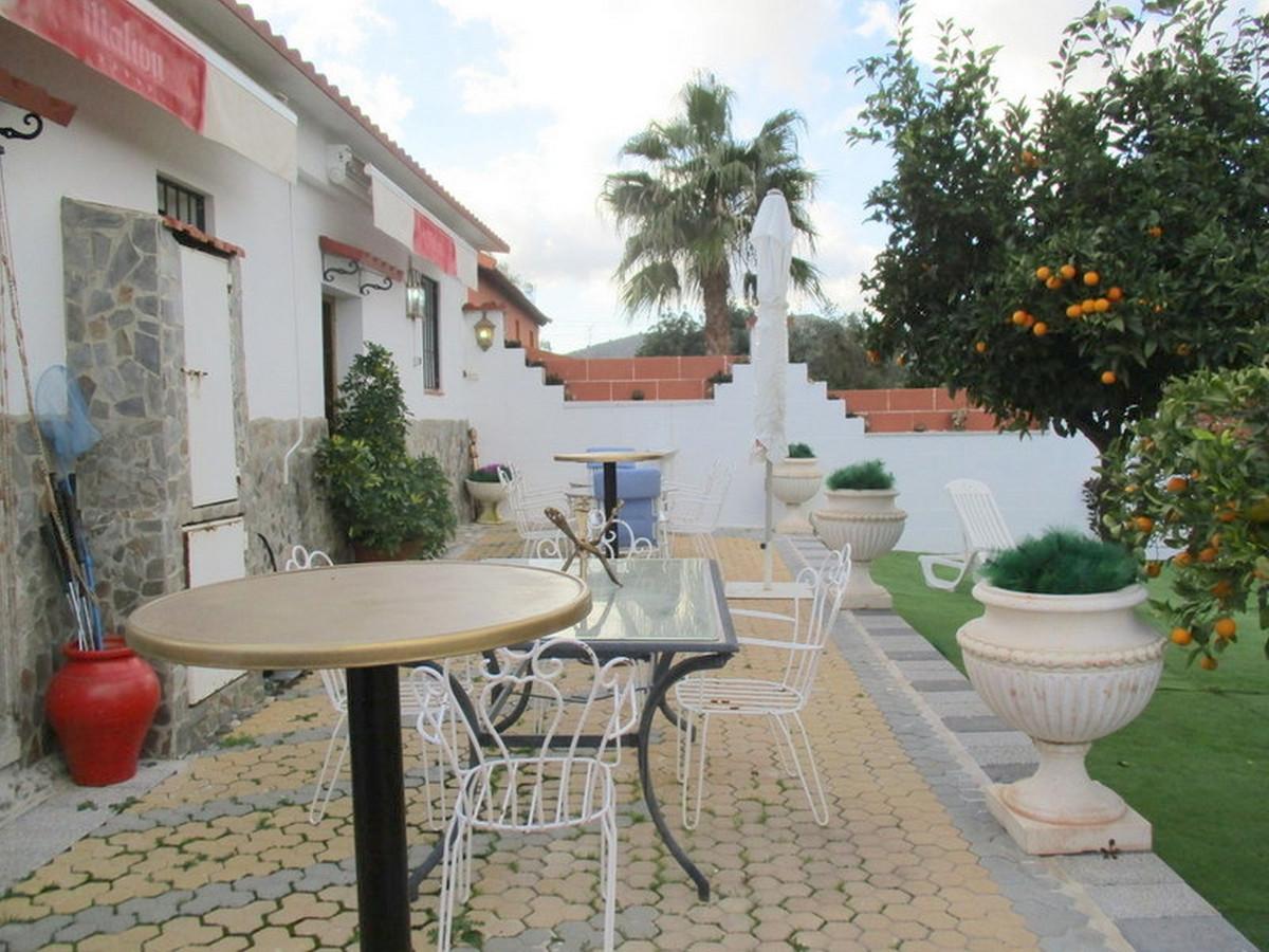 House in Alora R3373870 20