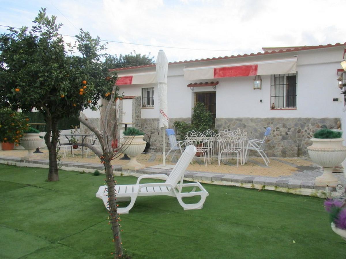House in Alora R3373870 3