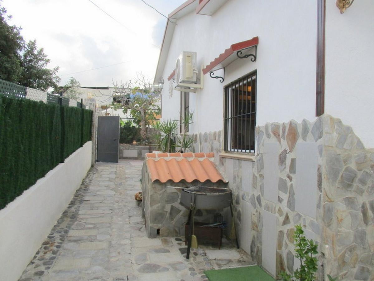 House in Alora R3373870 4