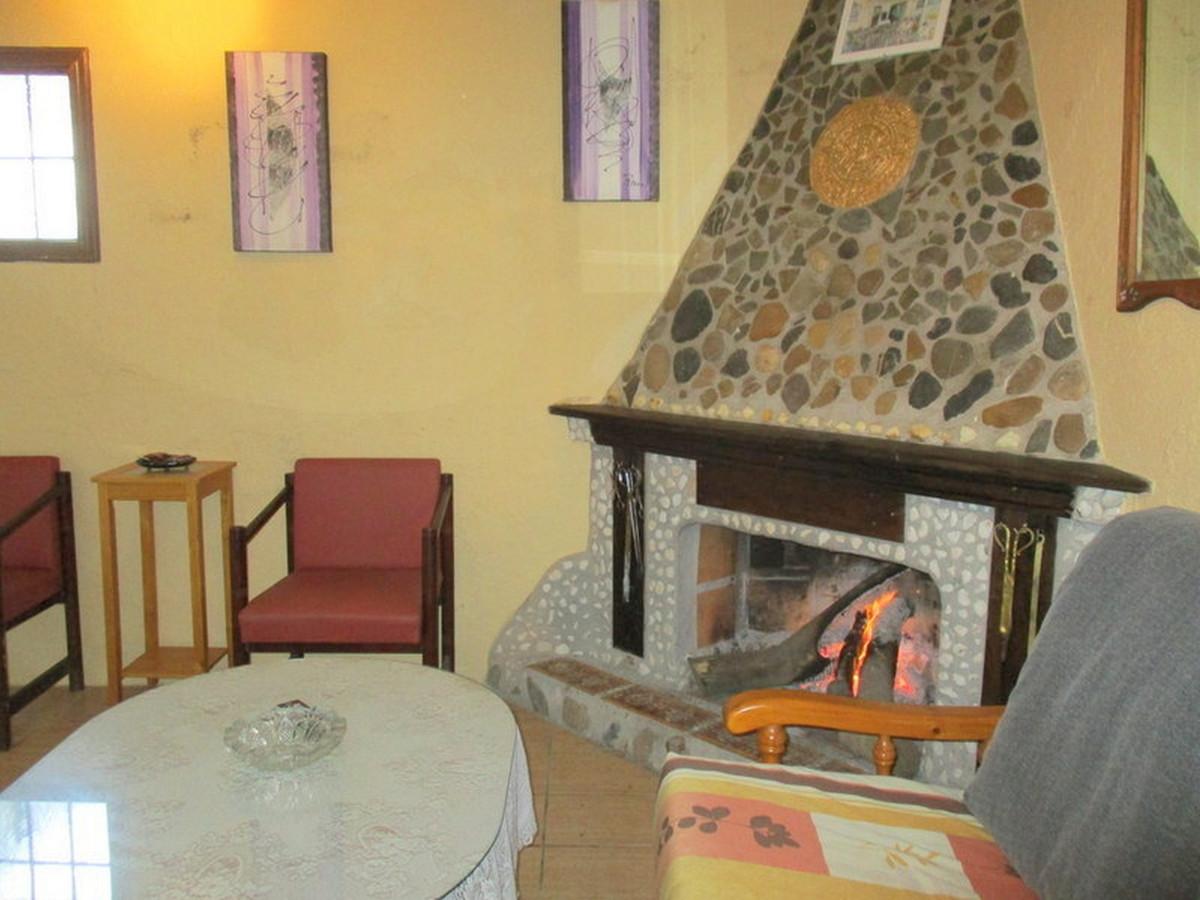 House in Alora R3373870 5