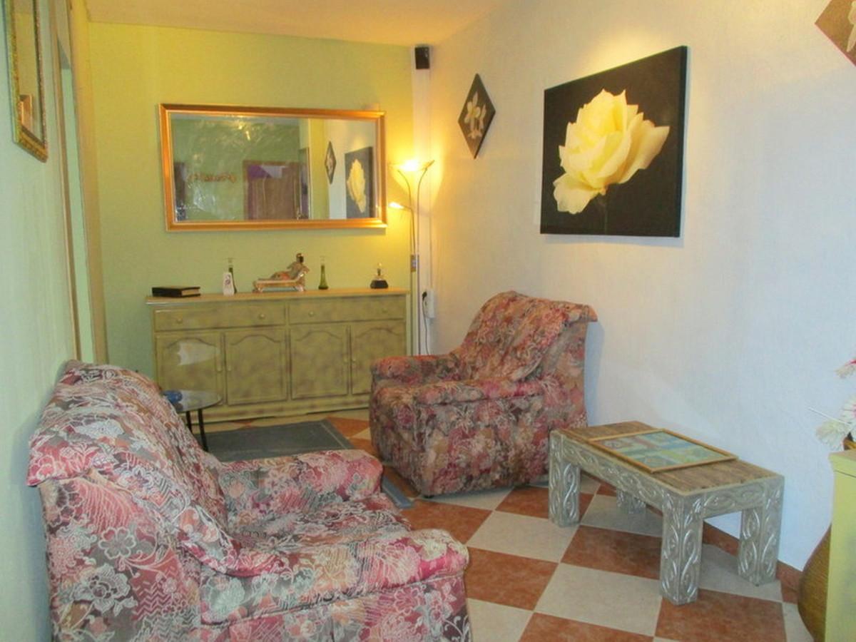 House in Alora R3373870 7