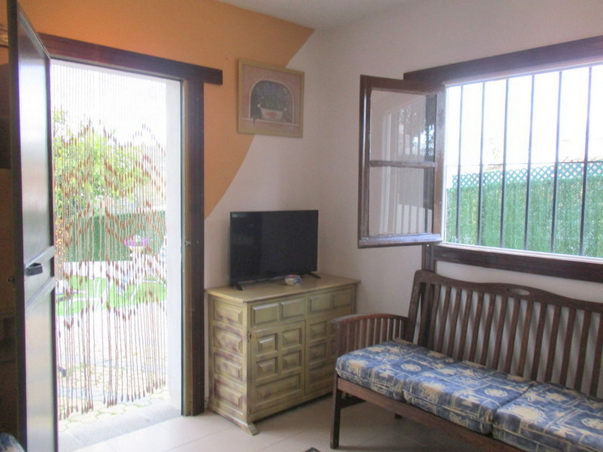 House in Alora R3373870 8