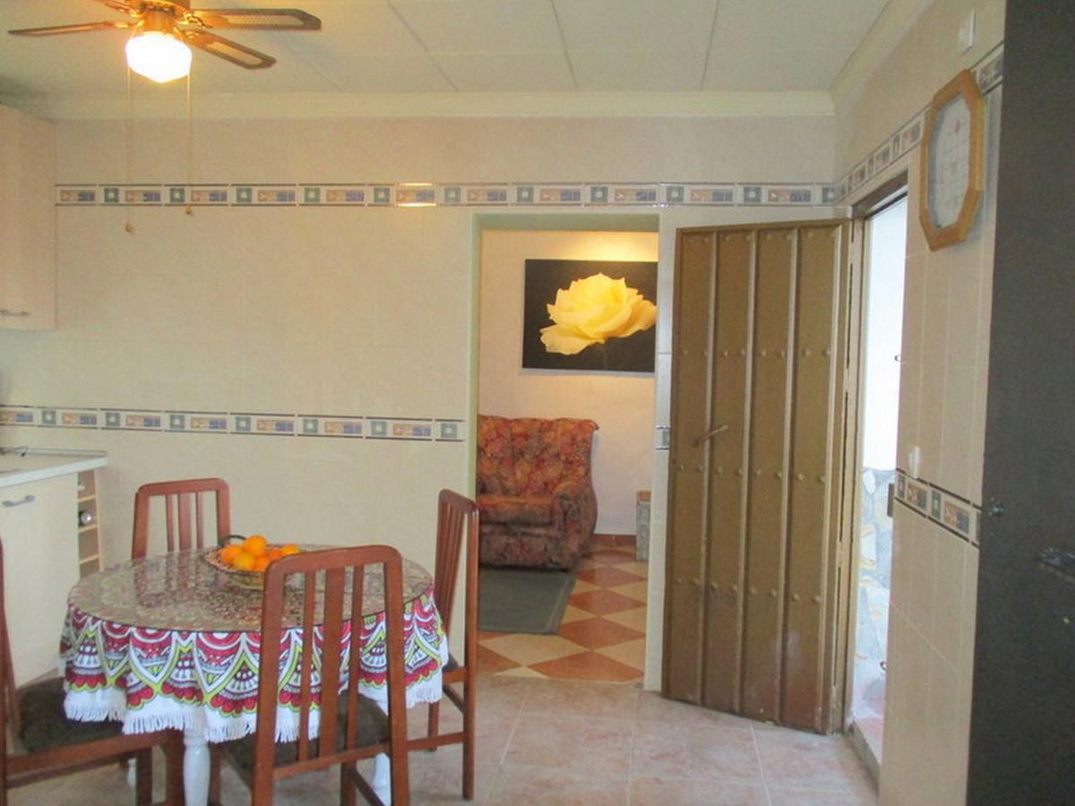 House in Alora R3373870 9