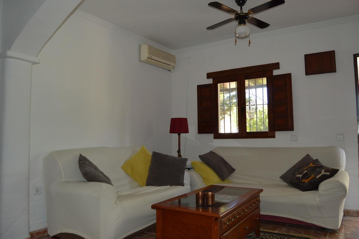 House in Alora R3175363 18