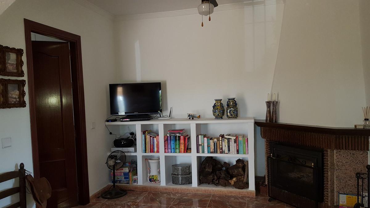 House in Alora R3175363 19