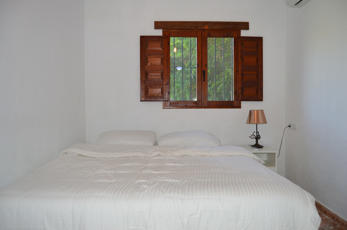 House in Alora R3175363 29
