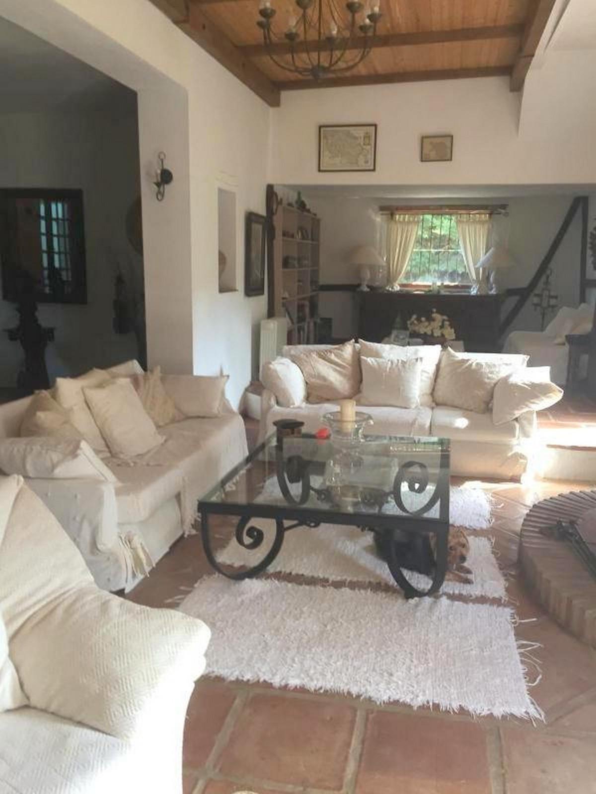 House in Alora R3403375 6