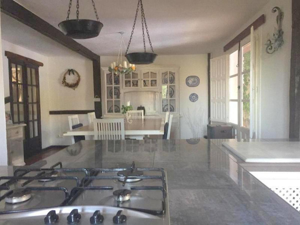 House in Alora R3403375 9