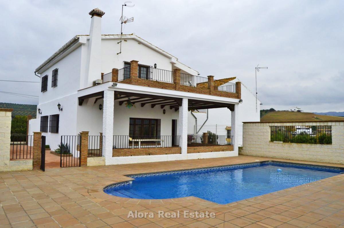 House in Alora R2559101 1