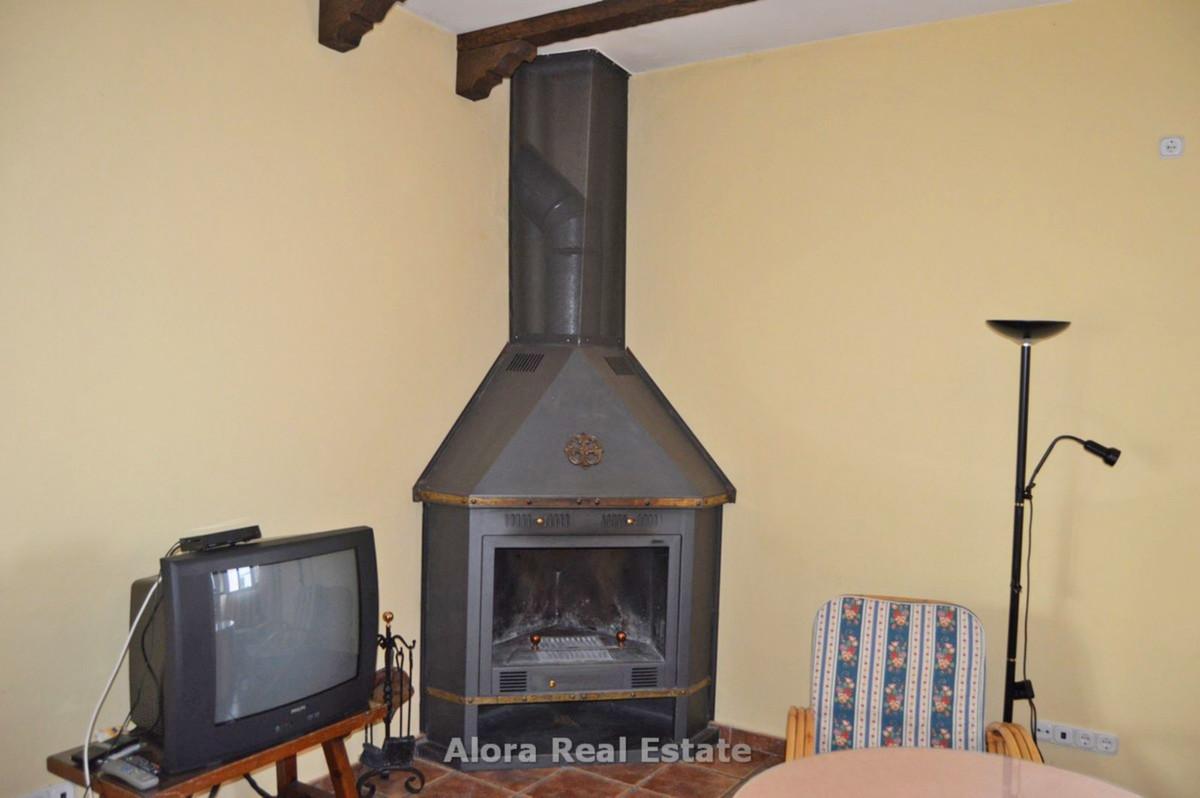 House in Alora R2559101 13
