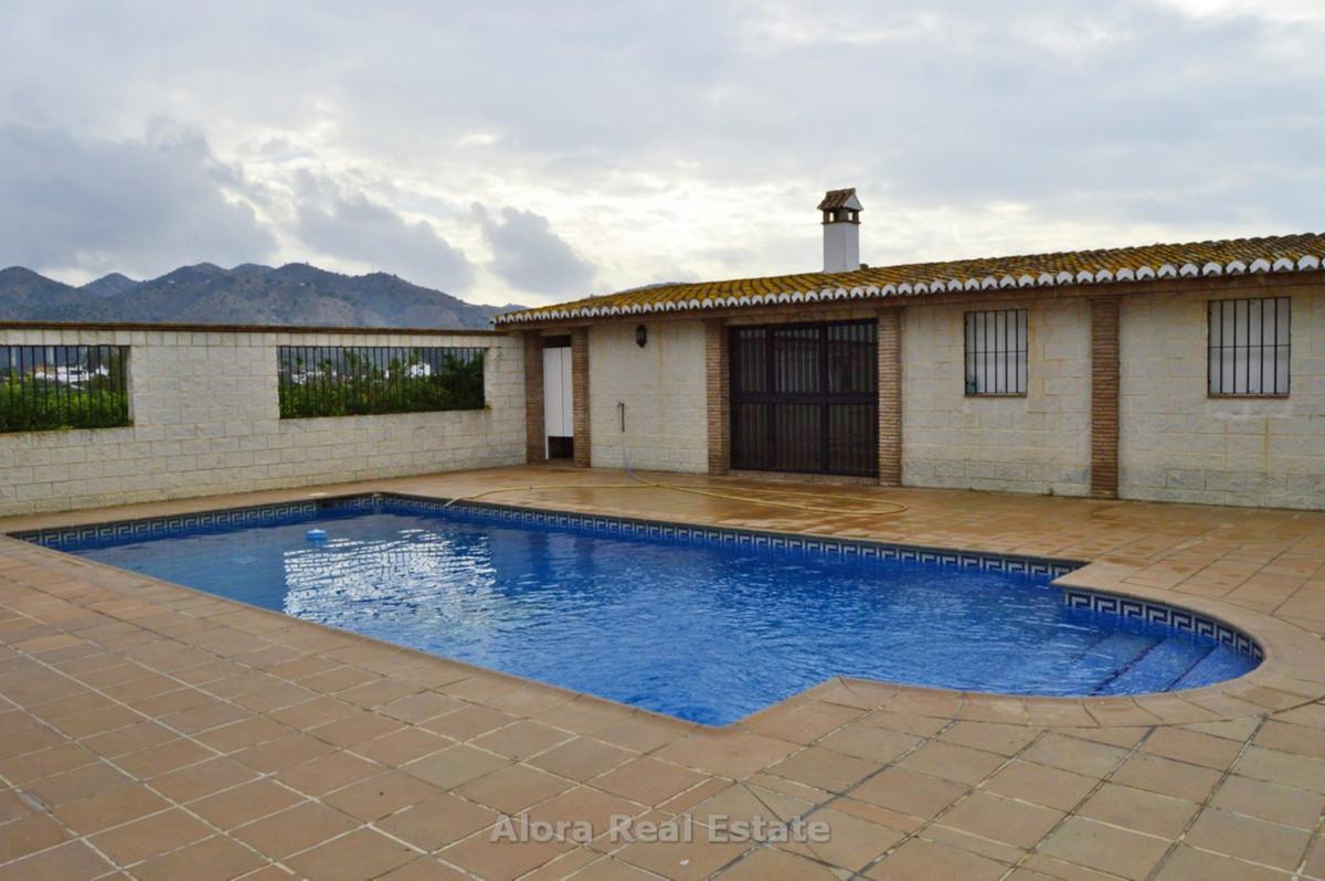 House in Alora R2559101 22